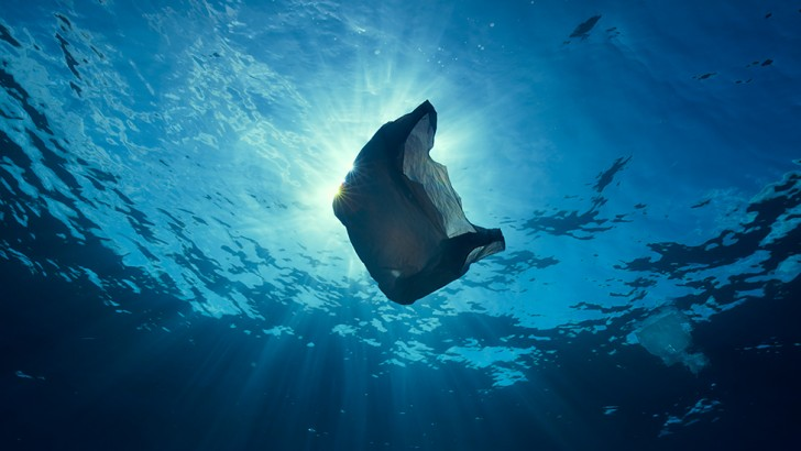Every year, around 8 million metric tons of plastic waste enters the ocean (Credit: BBC 2017)